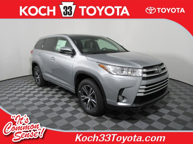 new 2017 toyota highlander le plus 4d sport utility in easton t44827 koch 33 toyota. Black Bedroom Furniture Sets. Home Design Ideas